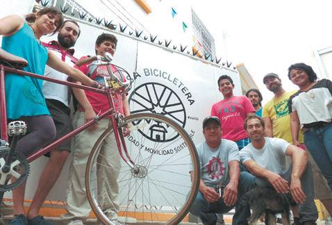 2014_04_27 Milenio (Celebran 5 años de pedalear en MTY)