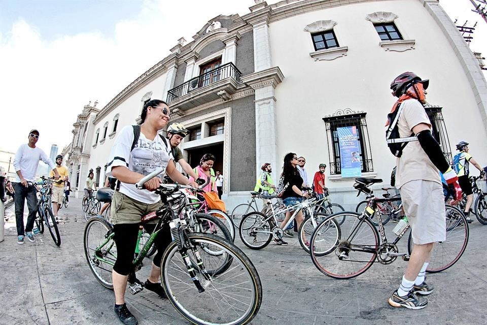 Pedaleadas Pueblo Bicicletero Colegio Civil. Foto El Norte